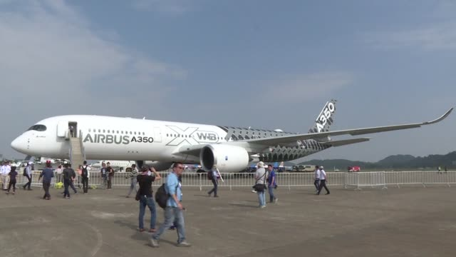 stockvideo's en b-roll-footage met asia pacific will be the centre of the world of air travel in 2035 with 36% of the world total traffic aerospace giant airbus said tuesday at the... - clean
