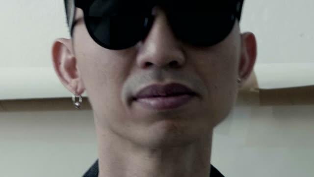 asiatische künstler gesicht - nur junge männer stock-videos und b-roll-filmmaterial