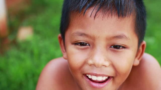 vidéos et rushes de hd: asian boy souriant - thaïlandais
