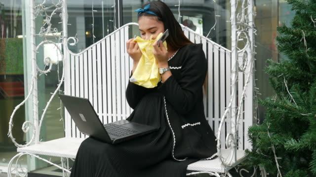 Asiengeschäft schwanger Zahlung Kreditkarte für Online-shopping