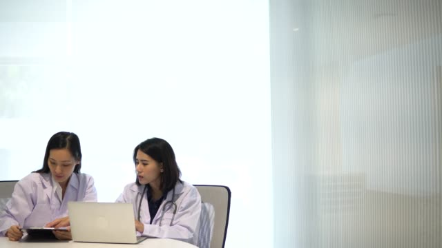 asian doctor meeting - administrator stock videos & royalty-free footage