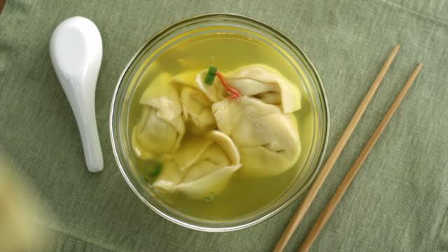 stockvideo's en b-roll-footage met asian food - schaal serviesgoed