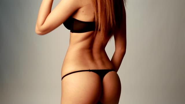vídeos y material grabado en eventos de stock de asian chica en bragas negras - mujer desnuda