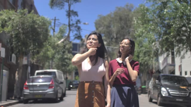 asian hipsters exploring surry hills (slow motion) - schoolgirl stock videos & royalty-free footage