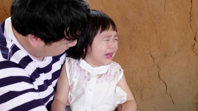 asian little girl(4-5 years) cries really emotional - 4 5 years stock videos & royalty-free footage