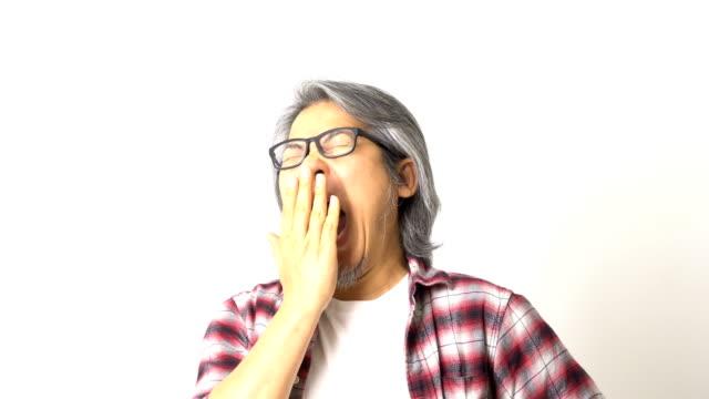 asiatischen mann - schlafenszeit stock-videos und b-roll-filmmaterial