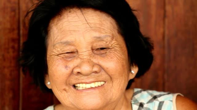 アジアの老人女性