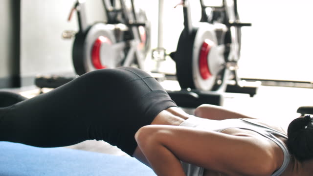 asian woman workout in the gym - human muscle stock videos & royalty-free footage