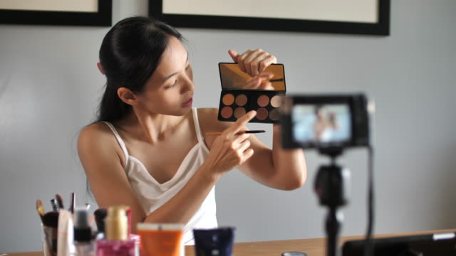 asian young woman youtube blogger recording vlog video with makeup cosmetic at home making online influencer on social media concept.live streaming viral - workshop stock videos & royalty-free footage