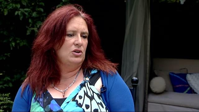 vidéos et rushes de askfm reviews its safety features following hannah smith suicide england charron pugsleyhill interview sot - suicide