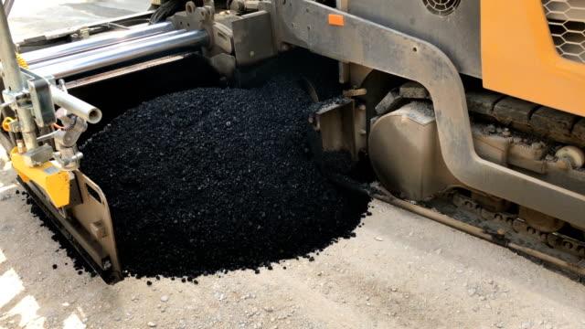 Asphalt paver machine