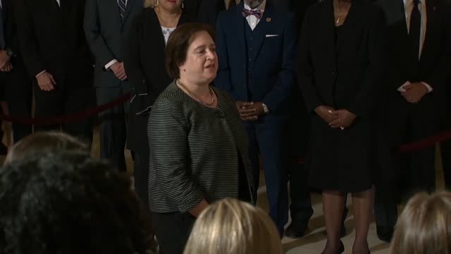 associate justice elena kagan says at the public viewing of the late associate justice john paul stevens that she speaks as his successor filling the... - nachfolger stock-videos und b-roll-filmmaterial