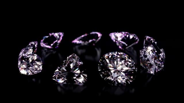Assortiment de différentes formes diamants tournante