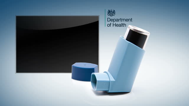 vídeos de stock e filmes b-roll de asthma sufferers are often forced to skip taking their medication because the costs are too high campaigners are calling for free prescriptions for... - falta de ar