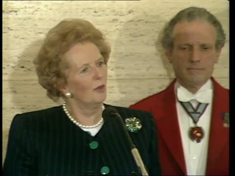 Margaret Thatcher welcomes Rupert Murdoch bid for satellite TV ENGLAND London Savoy Hotel INT CMS Margaret Thatcher MP speaking at podium CMS SIDE...