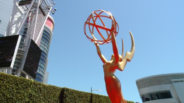 vídeos y material grabado en eventos de stock de at 2014 creative arts emmy awards in los angeles, ca 8/16/14 - premios emmy
