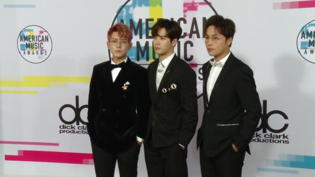 got 7 at 2017 american music awards on november 19 2017 in los angeles california - american music awards video stock e b–roll