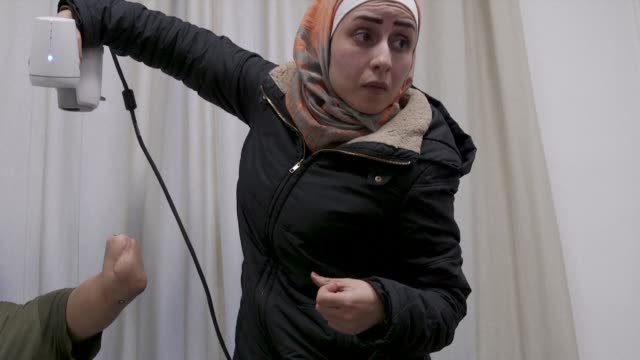 at a hospital in amman doctors without borders is providing war wounded patients with an innovative helping hand using revolutionary 3d technology to... - limb body part stock videos & royalty-free footage