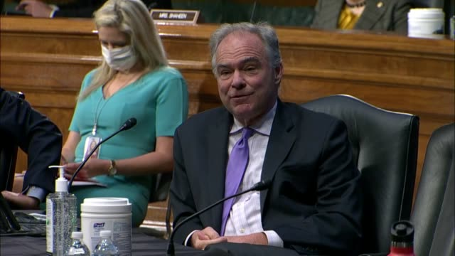 at a senate foreign relations committee hearing virginia senator tim kaine calls secretary of state mike pompeo one of the most highly trained and... - united states congress点の映像素材/bロール