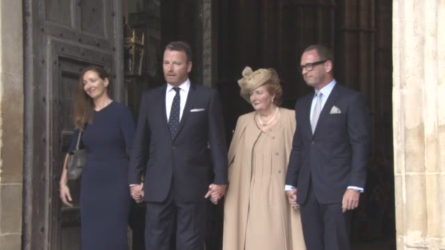 stockvideo's en b-roll-footage met clean at a service of thanksgiving for the life and work of sir terry wogan at westminster abbey on september 27 2016 in london england - eamonn holmes