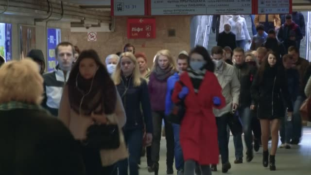 at a time when europe is confined in the hope of slowing down the coronavirus pandemic in belarus life goes on almost as usual hundreds of cars on... - belarus stock videos & royalty-free footage