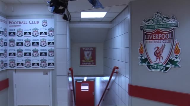 stockvideo's en b-roll-footage met at anfield the player's tunnel and dressing room area at anfield on september 20 2011 in liverpool england - kleedkamer coulissen