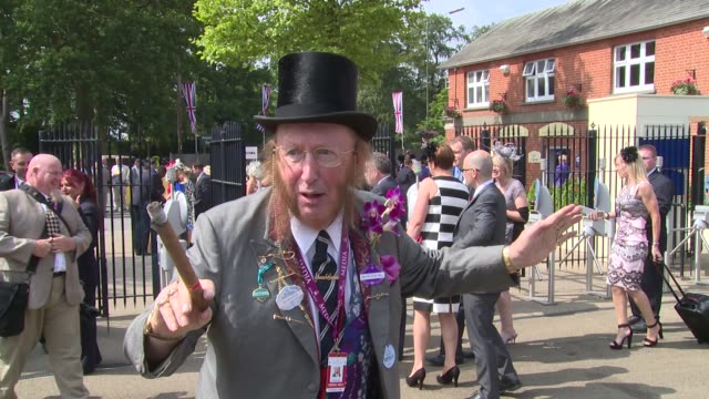 stockvideo's en b-roll-footage met atmosphere at ascot ladies day at ascot race course on 19th june 2014 in ascot england - john mccririck