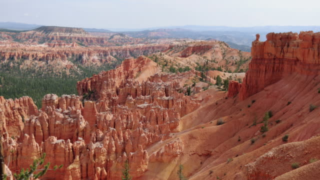 at bryce canyon national park, peek a boo trail - grand canyon stock videos & royalty-free footage