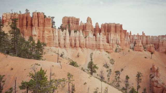 at bryce canyon national park, peek a boo trail - bryce canyon stock videos and b-roll footage