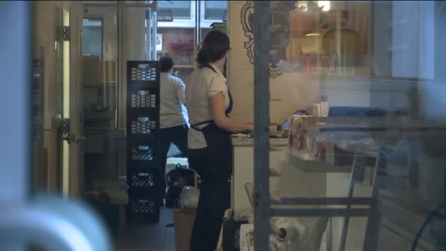 wpix at dominique ansel bakery on april 04 2014 in new york city - infestation stock-videos und b-roll-filmmaterial