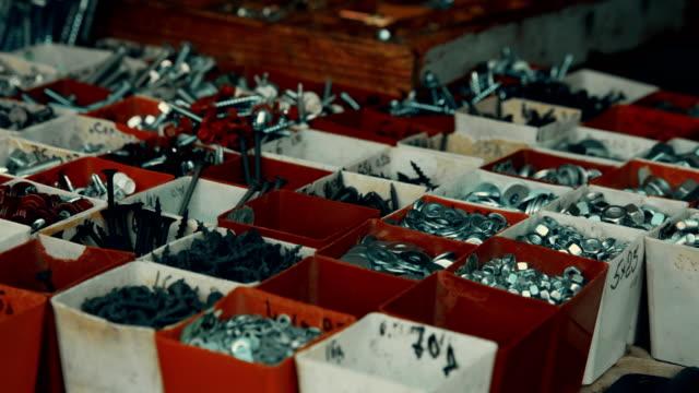 im baumarkt. anderen haushalt hardware - variation stock-videos und b-roll-filmmaterial
