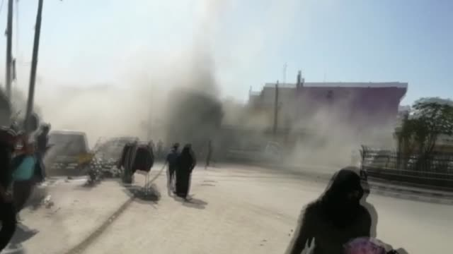vidéos et rushes de at least 16 civilians were injured in terrorist attacks by bomb-laden motorcycles in northern syria on saturday, according to local sources. a... - bombardement
