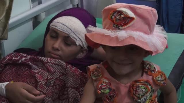 at least 22 people were killed thursday in yemen as fighting raged in the southern port of aden and saudi led warplanes bombed shiite rebels in the... - yemen bildbanksvideor och videomaterial från bakom kulisserna