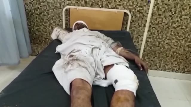 at least four people were killed and seven injured when a remote controlled bomb exploded on a railway line in southwest pakistan as a passenger... - südwesten stock-videos und b-roll-filmmaterial