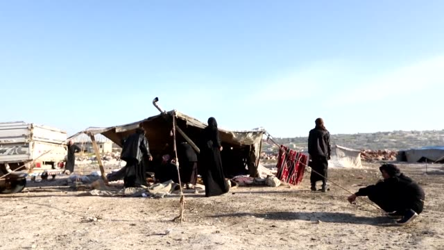 vídeos de stock e filmes b-roll de at least nine civilians including four children were killed in an air raid that hit an unofficial displacement camp in idlib a northwestern province... - air raid