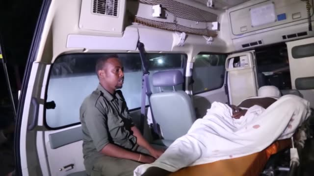 at least seven people were killed and two others injured in a carbomb attack on a beach restaurant in the somali capital mogadishu on august 25 2016... - ソマリア点の映像素材/bロール