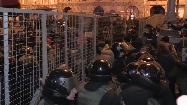 At least seven protestors were detained as clashes erupted Sunday between Ukrainian police and ultra nationalists backing a rail blockade in Kiev