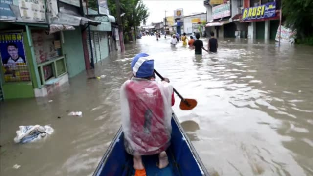 at least three people have died in the philippines after torrential rain engulfed parts of the main island of luzon including manila where neck deep... - luzon stock videos & royalty-free footage