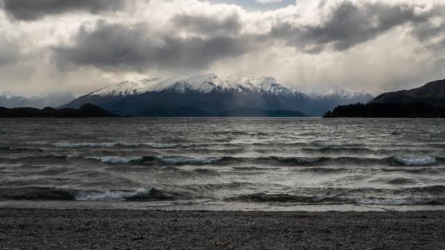 vidéos et rushes de t\l new zealand nature paysage au lac wanaka - mont aspiring