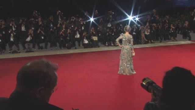 at 'our souls at night' red carpet - 74th venice international film festival at palazzo del cinema on september 01, 2017 in venice, italy. - 第74回ベネチア国際映画祭点の映像素材/bロール