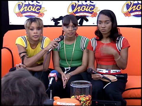 tlc at the 1995 nickelodeon kids' choice awards at santa monica airport in santa monica california on may 20 1995 - nickelodeon stock videos & royalty-free footage
