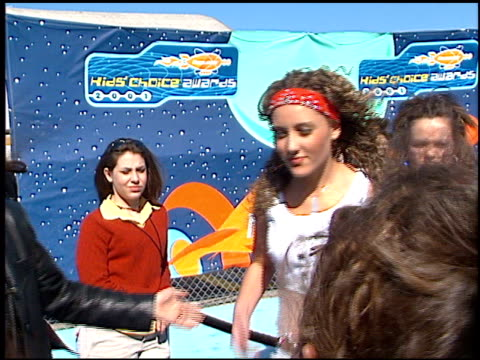 pyt at the 2001 nickelodeon kids' choice awards arrivals at barker hanger in santa monica california on april 21 2001 - nickelodeon kid's choice awards stock videos & royalty-free footage