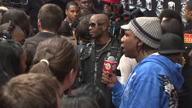 stockvideo's en b-roll-footage met dmx at the 2009 vh1 hip hop honors red carpet at new york ny - vh1