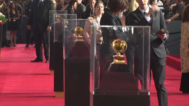 atmosphere at the 53rd grammy awards arrivals part 3 at los angeles ca - アトモスフィア点の映像素材/bロール