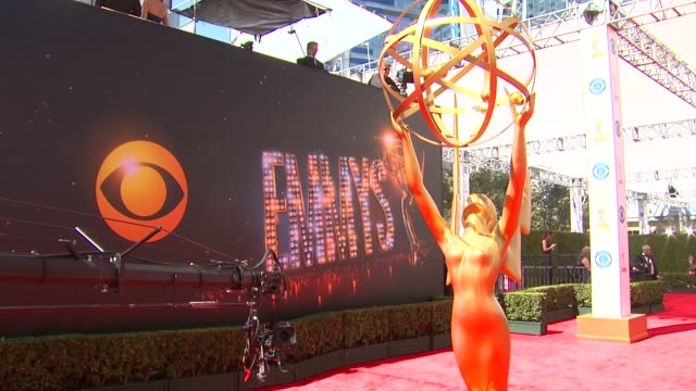 atmosphere at the 65th annual primetime emmy awards arrivals in los angeles ca on 9/22/13 - annual primetime emmy awards stock-videos und b-roll-filmmaterial