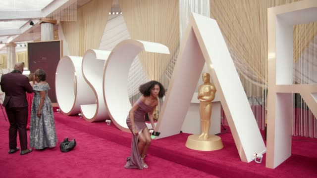 at the 92nd annual academy awards at dolby theatre on february 09, 2020 in hollywood, california. - academy awards stock-videos und b-roll-filmmaterial