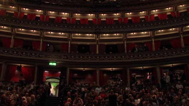 at the george michael performs at royal albert hall in london at london england. - royal albert hall点の映像素材/bロール