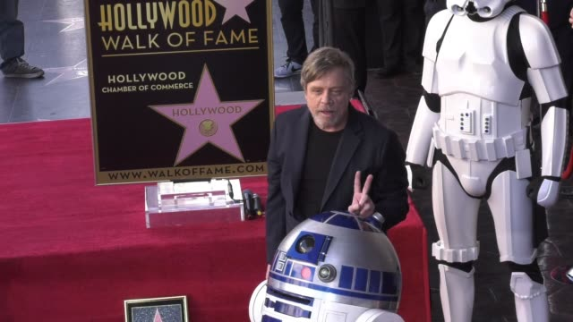 vídeos de stock, filmes e b-roll de chryon at the mark hamill honored with a star on the hollywood walk of fame on march 08 2018 in hollywood california - george lucas