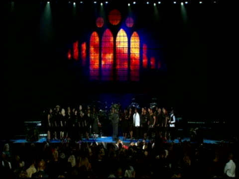 vidéos et rushes de atmosphere at the michael jackson funeral service at staples center at los angeles ca - funérailles