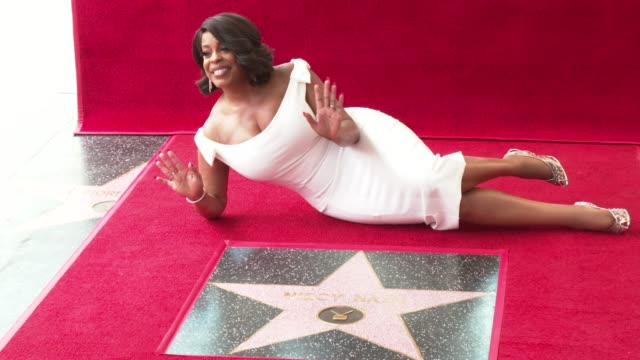 clean at the niecy nash honored with a star on the hollywood walk of fame on july 11 2018 in hollywood california - ウォークオブフェーム点の映像素材/bロール